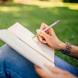 15 Journal Prompts To Explore Gratitude
